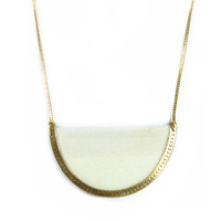 Serefina Stingray Crest Necklace in bone