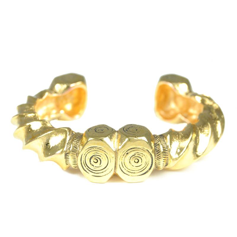 Viento Nazca Twist Cuff in Antique Gold