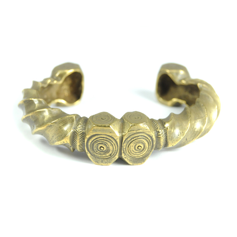 Viento Nazca Twist Cuff in Antique Bronze