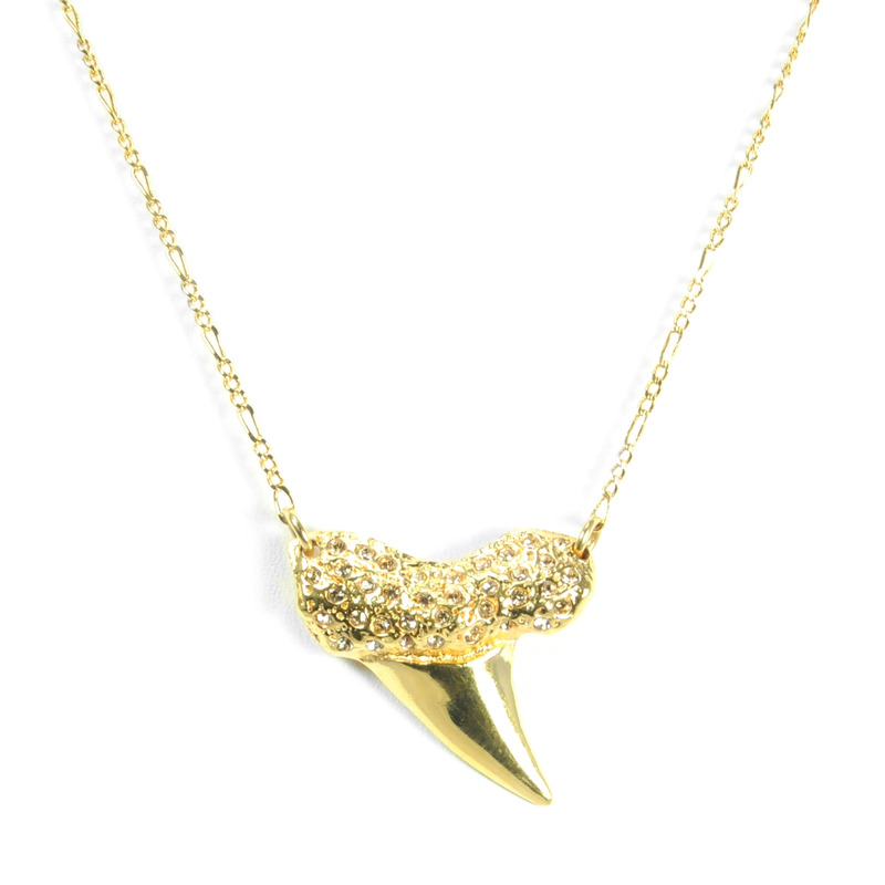 Viento Shark Tooth Pave Necklace in Gold