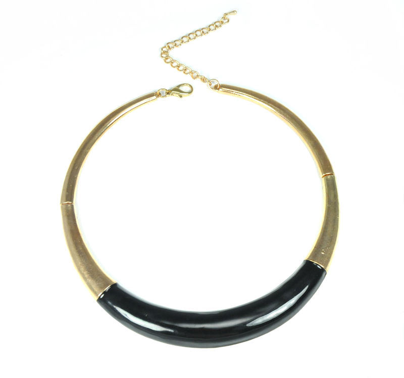 Urban Gem Cleopatra Necklace in Black