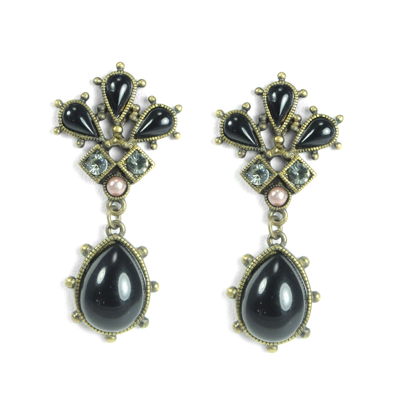 Urban Gem Janet Earrings with Pearls
