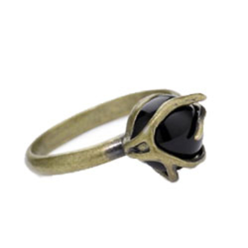 Carol Marie Small Vine with Black Stone Ring