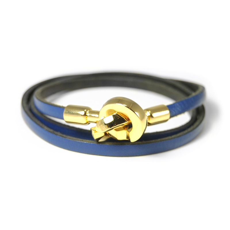 Urban Gem Double Circle Clasp Leather Wrap Bracelet in Navy