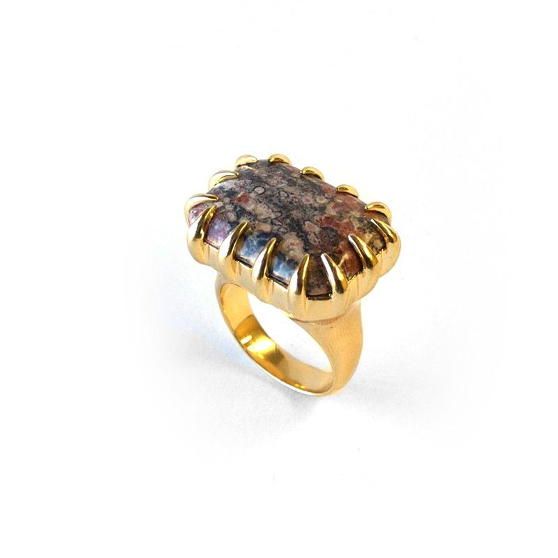 Isharya Rose Jasper Claw Ring in 18kt Gold