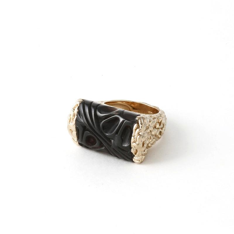 Isharya Jaali Filigree Tube Ring