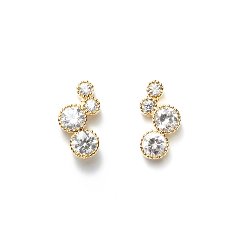a.v. max Circle Cluster Ear Climbers in Gold