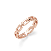 Shashi Chain Band Ring in Rose Gold