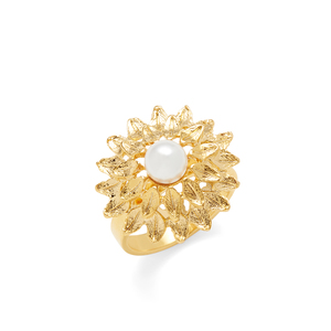 Perry Street Floral Pearl Ring